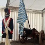 Kanone und Uniform der Böllerschützen Mammendorf